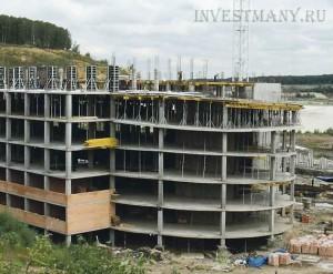 Строящийся многоэтажный паркинг